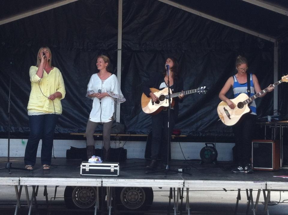 Blue Harvest performance på Østerbro Kultur Festival 2013
